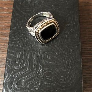 Ring with black onyx